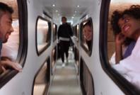 비행기 대신 캐빈형 침대 버스로!