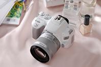 캐논, 세상에서 가장 가벼운 DSLR 카메라 'EOS 200D ..