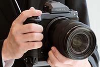 후지필름, 캐논의 카메라 사업 절반 축소 예상을 부정